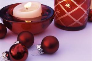 christmas_baubles_and_candles