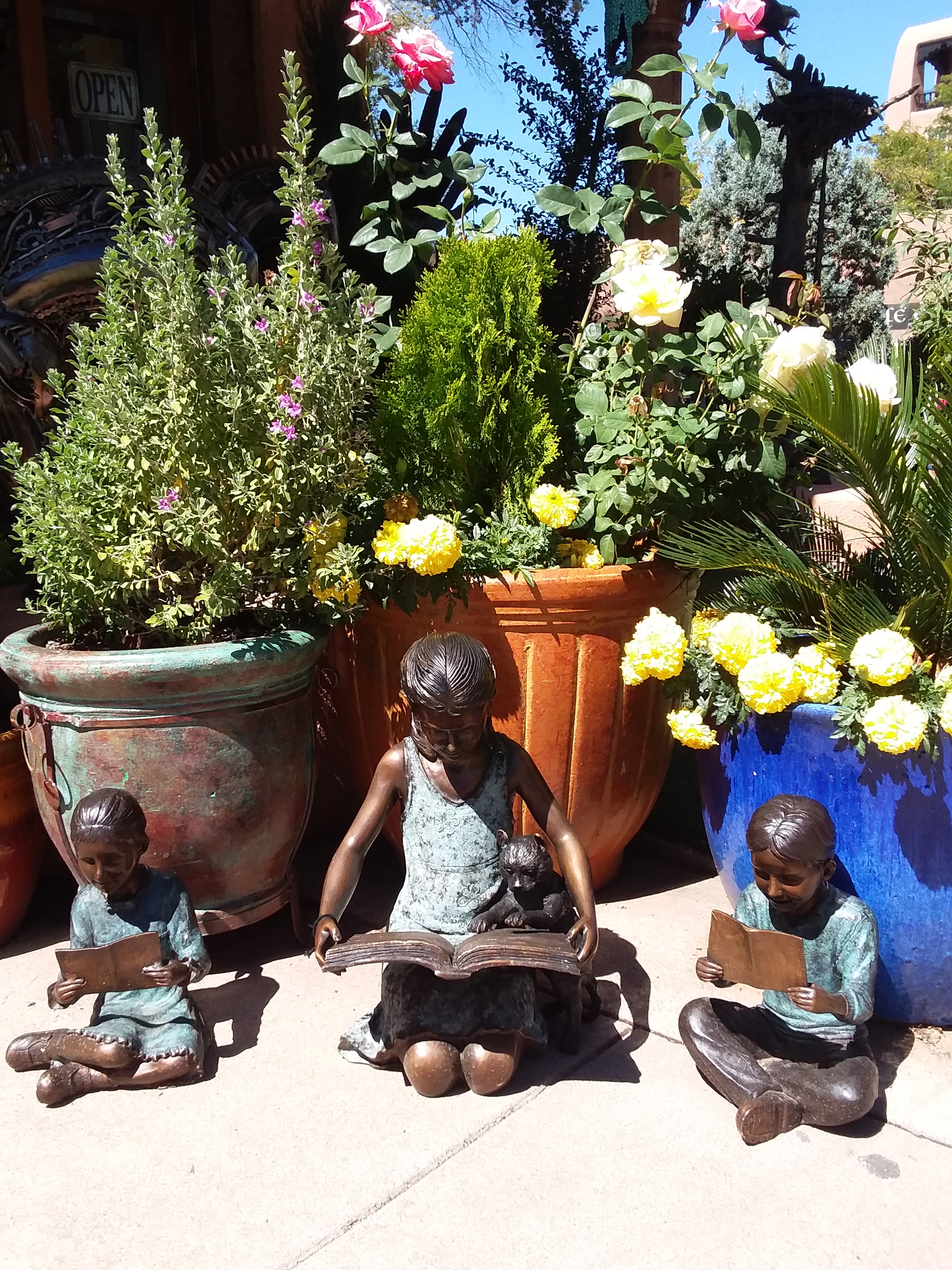 Sculpture - Santa Fe children