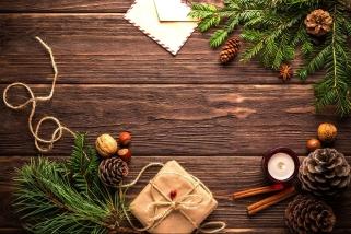 christmas-pine cones